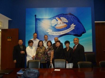 Phái đoàn JFFV tại văn phòng của Thượng Nghị sĩ Cassidy của tiểu bang Louisiana. Hình JFFV.