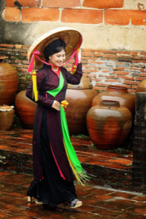 Những bức ảnh nghệ thuật do họa sĩ kiêm Nhiếp ảnh gia Nguyễn Tiên (Houston) tặng hai buổi gây quỹ để đấu giá.
