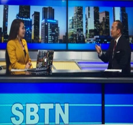 Phóng viên Truyền hình Kim Nhung và anh Huấn trên chương trình Kim Nhung Show của đài truyền Hình SBTN.